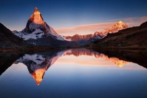 Natura-paesaggio-tramonto-lago-di-montagna-riflessione-oro-KB343-salotto-di-casa-arredamento-moderno-telaio-in